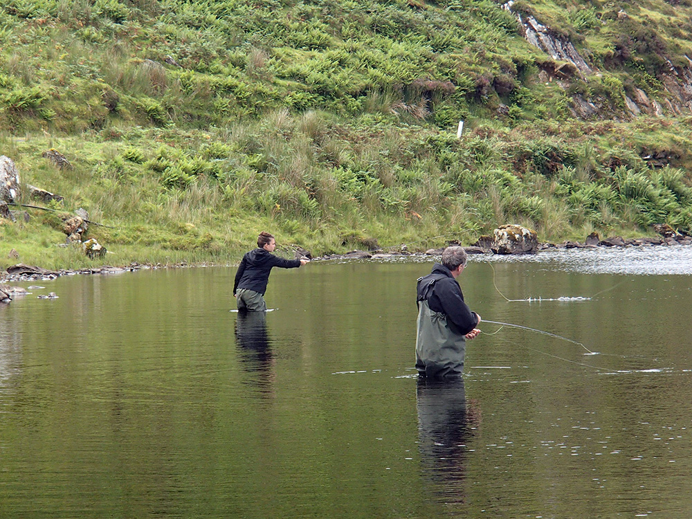 Olivier et Rachelle en action de pêche à la mouche...