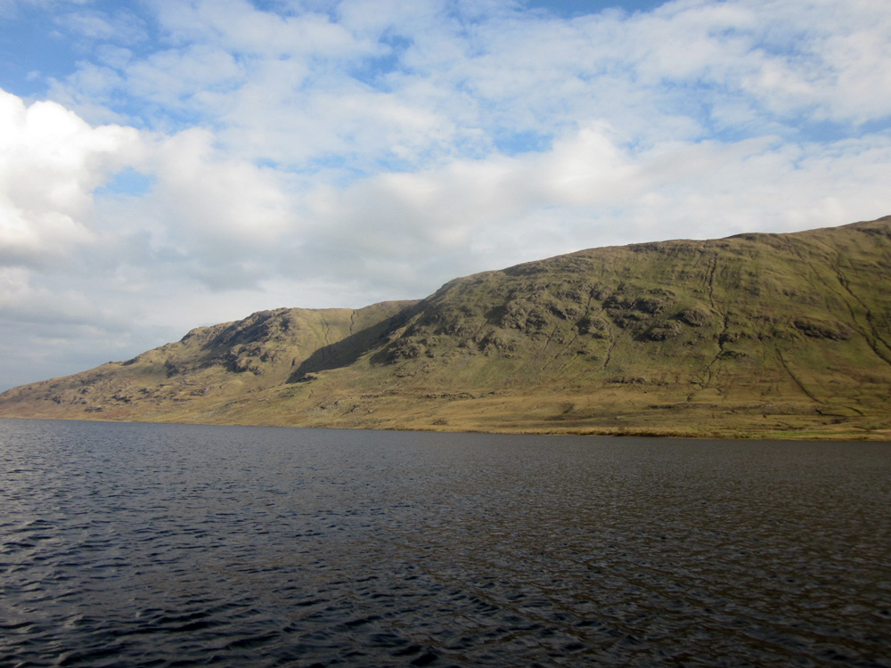 Lac irlandais, dans le Connemara.