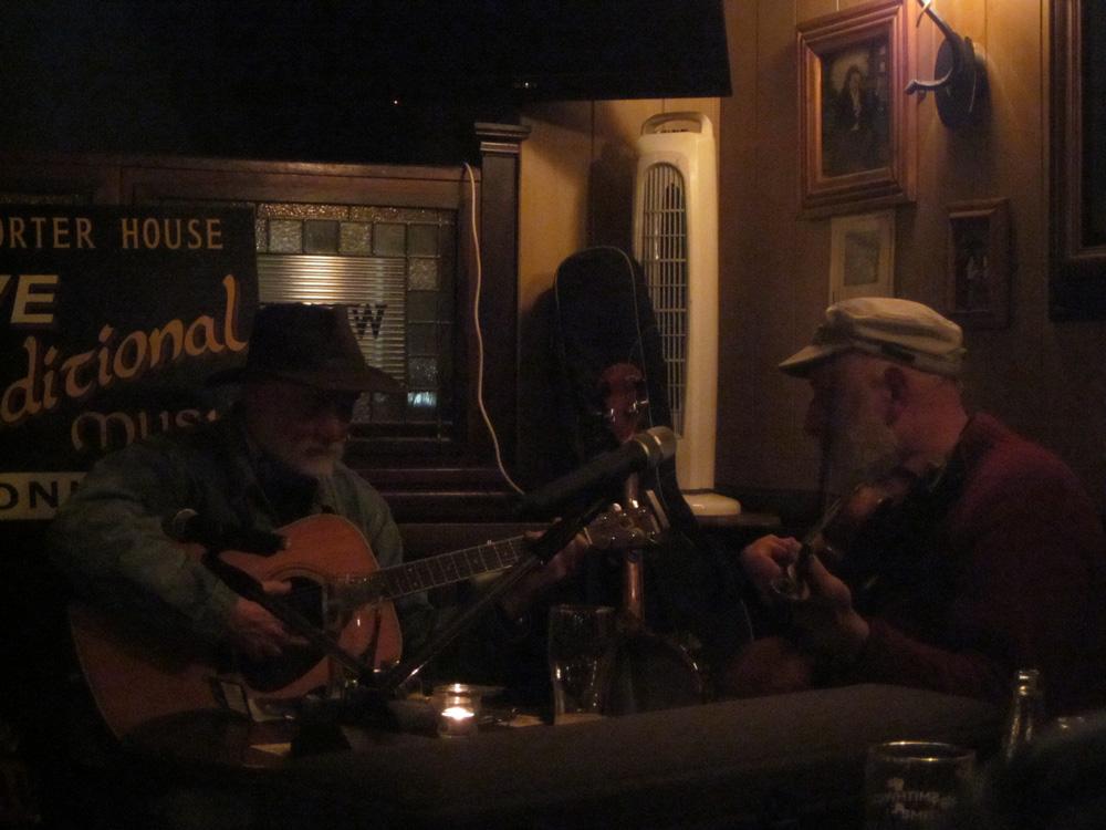 Musiciens dans un pub à Wesport.