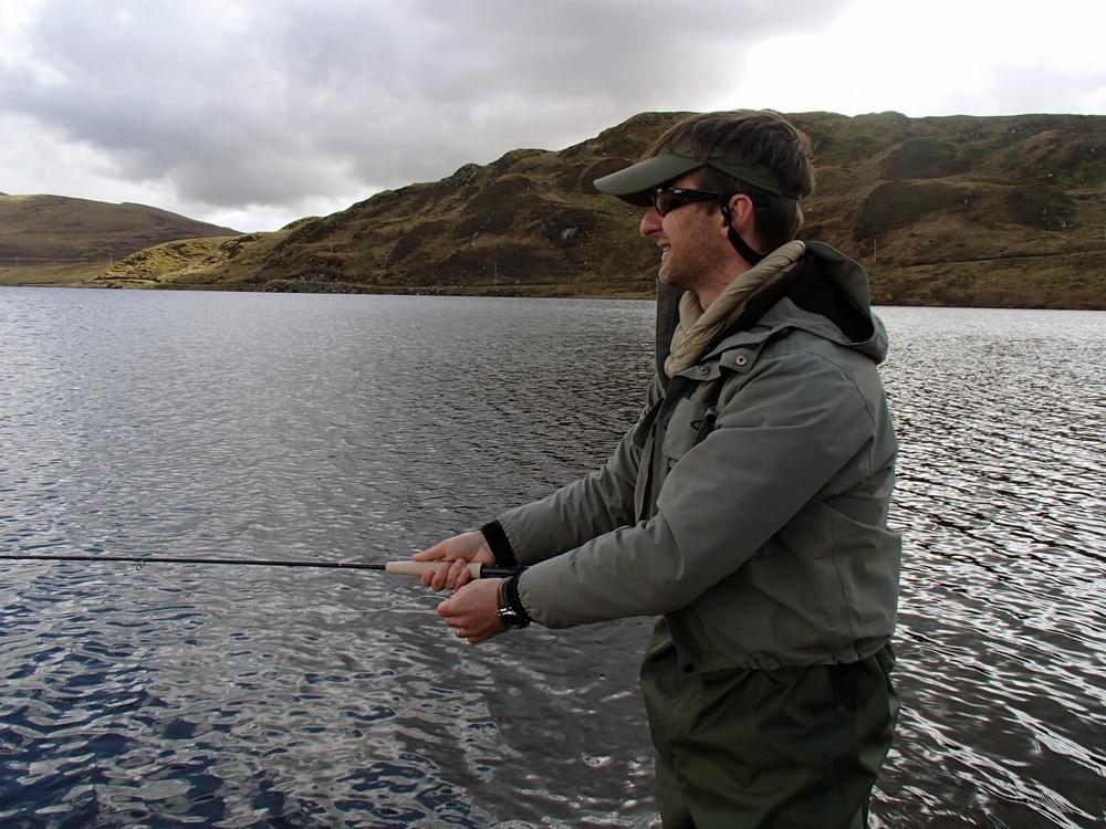 Pêcheur à la mouche en Irlande