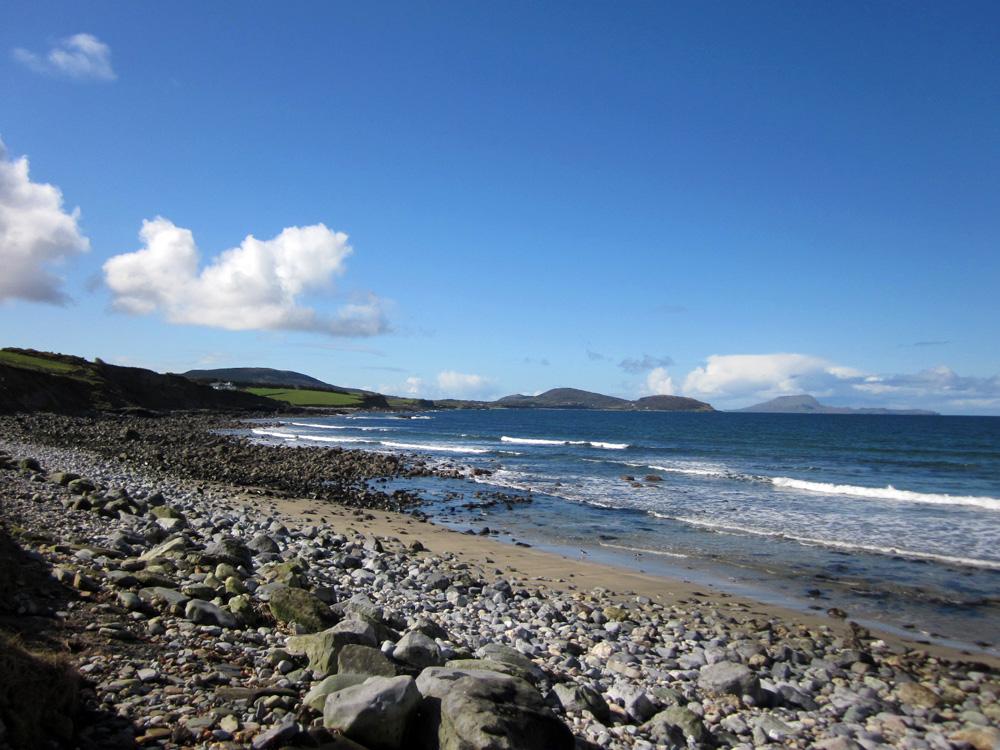 Plage d'Irlande, proche du Croagh Patrick, au bord de la Clew Bay, dans le comté de Mayo.