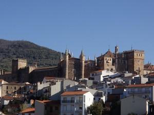 Le monastère dans la ville